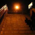 隅田川のほとりへ向かう階段